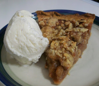 Cook with Sara: Caramel-Pecan Apple Pie