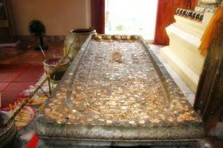Nang Bauch Buddha Footprint