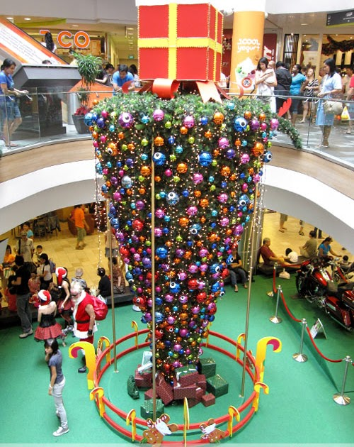 Deck The Holiday S The Upside Down Christmas Tree Tacky