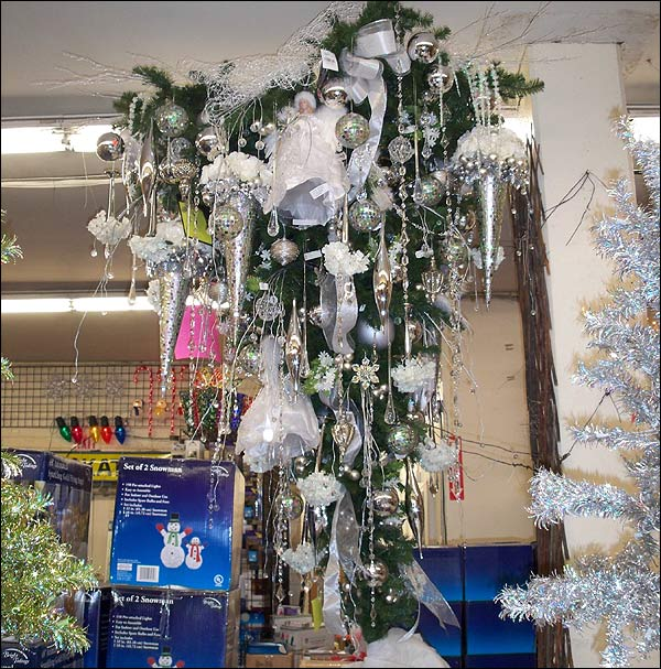 Deck the holiday 39 s the upside down christmas tree tacky - Why upside down christmas tree ...