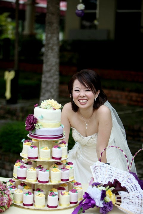 Transporting A Wedding Cake In Hot Weather