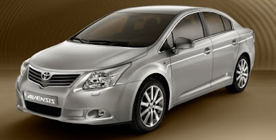2010-new-Toyota-Avensis-hybrid-car