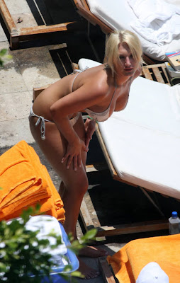 Brooke Hogan in bikini