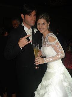 http://2.bp.blogspot.com/_rII3EBu18vM/SKzmlJMXPyI/AAAAAAAAAN0/MrBy3dJyVHA/s320/boda+exclusiva.jpg