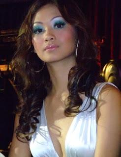 gosip seputar artis indonesia, indah kalalo mau menyanyi