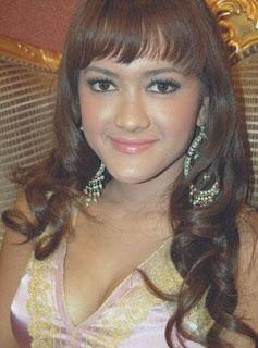 Julia Perez telanjang bugil dientot gaston Castano