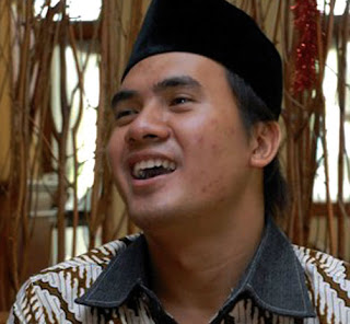 Saepul Jamil mantan suami Dewi Persik otak ngeres remas pantat porno telanjang cengengesan dilaporkan cewek ngentot