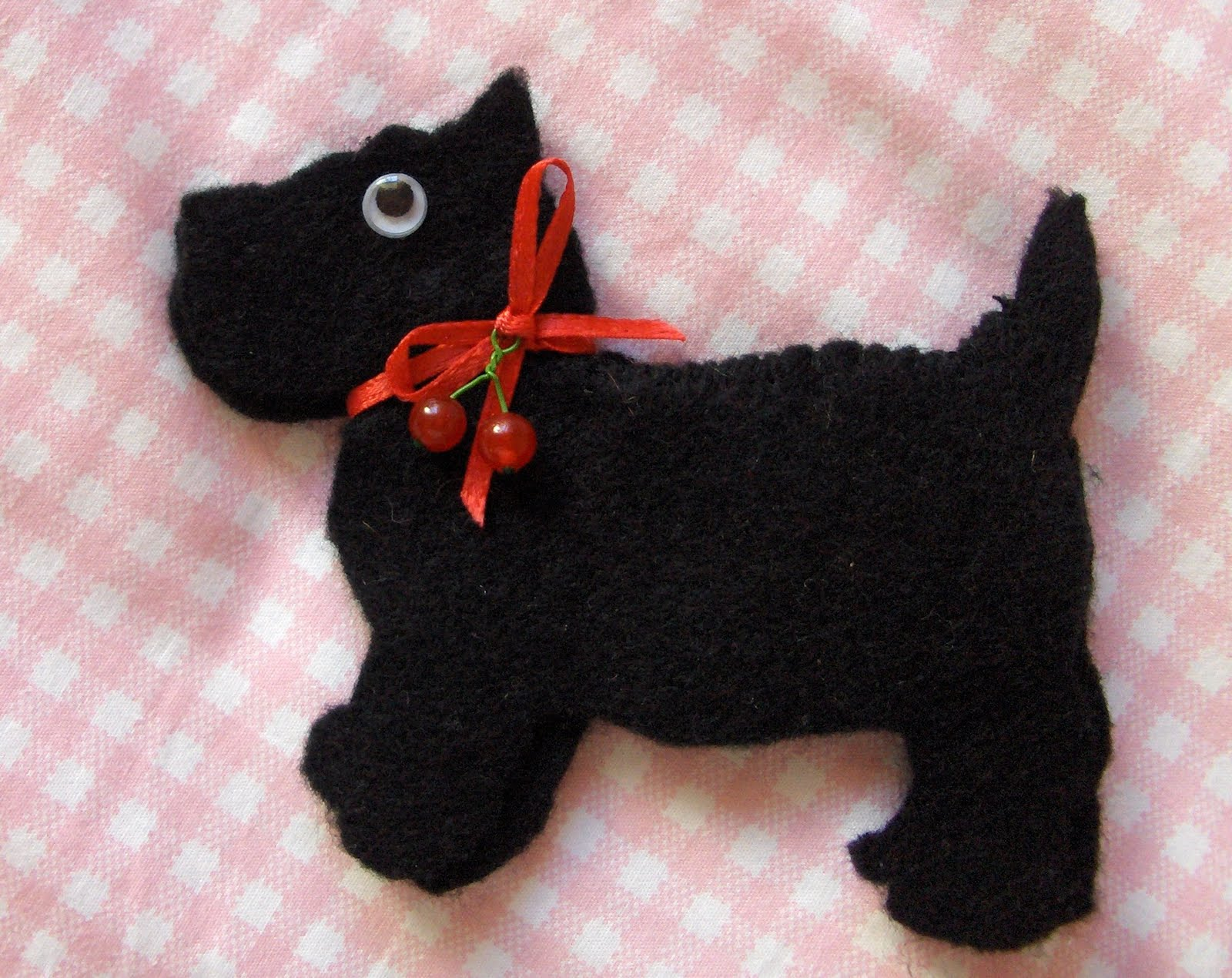 Scotty Dog Felt Pattern http://pipstitch.blogspot.com/2007_05_01_archive.html