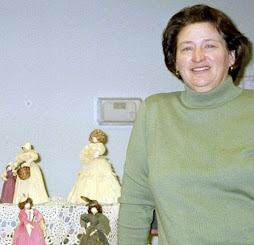 Pam Earp and her Cornhusk Dolls