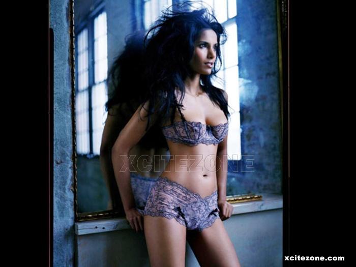 """lakshmi wallpaper. 0 Response to """"Hot Wallpapers of Padma Lakshmi in Bikini"""""""