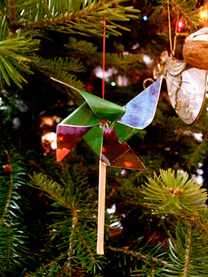 How to Make a Pinwheel Ornament Out of Recycled Paper