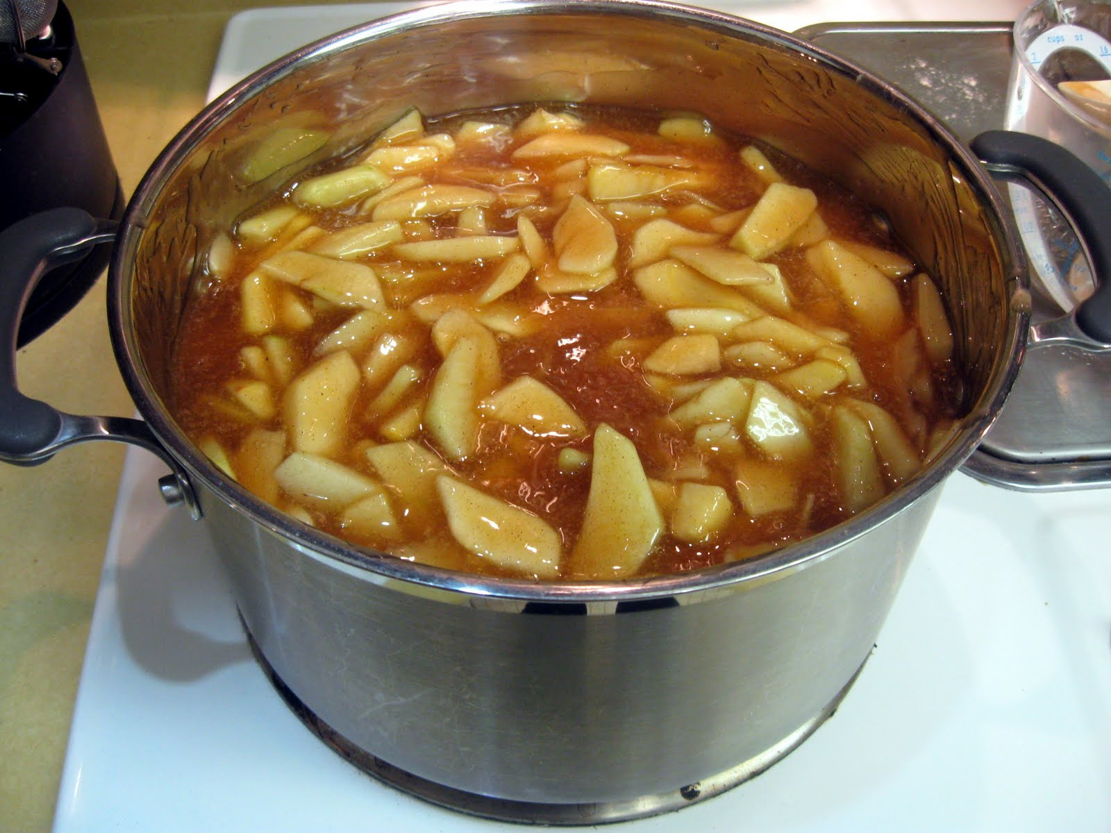 Taste and See God's Goodness: Homemade Apple Pie Filling