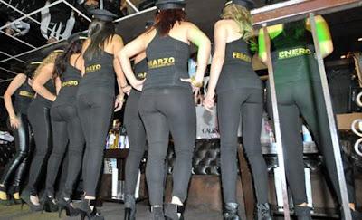 mujeres en mallas ajustadas fotos sexis de mujeres calendario de azafatas de avion azafatas de aerolineas aeromozas hot