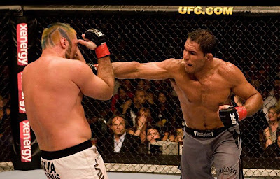 UFC 102 - Minotauro vs Randy Couture