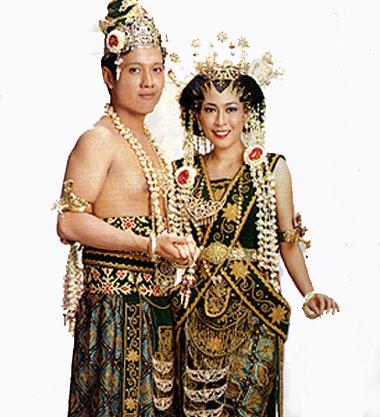gambar rumah adat jawa on Mengenal Budaya Jawa: Mengenal Tata Upacara Pengantin Adat Jawa
