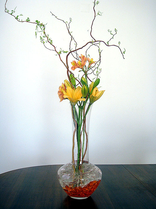 lily-flower-arrangement