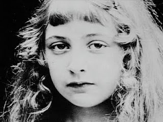 A. Christie da bambina