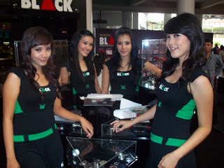 http://2.bp.blogspot.com/_rNbmEDh_8vo/S9bQNC8R1bI/AAAAAAAABFI/RDxo_xSd8Y8/s320/SPG_Djarum_Black_Stand.JPG