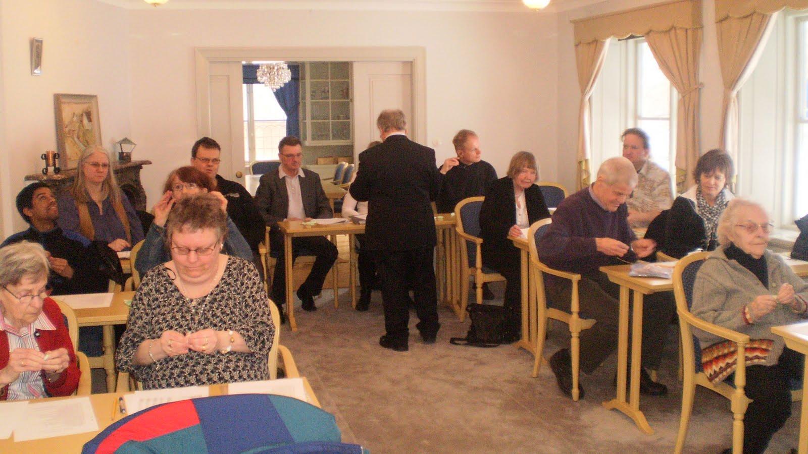 middag slampa ansikte sittande i Gävle