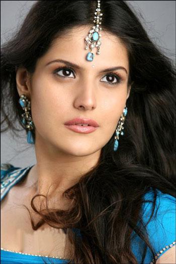 zarine khan hot photos. Zarine Khan Hot