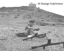 جندي بريطاني في مركز سناح الحد الفاصل بين الشمال والجنوب