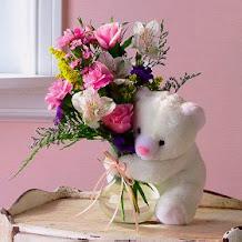 Envie flores virtuais a quem você ama...