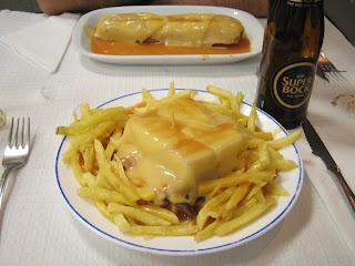 Francesinha de la Cafetería Santiago