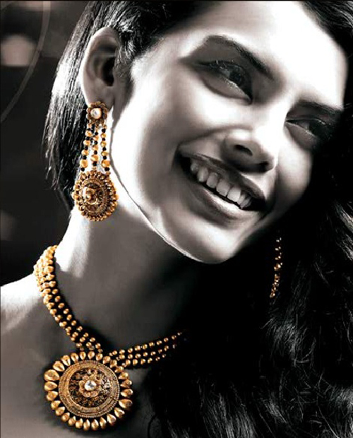 Tanishq Gold
