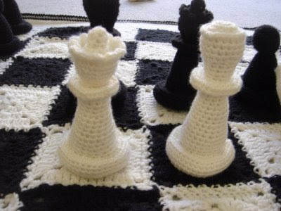 angies crochet chess set