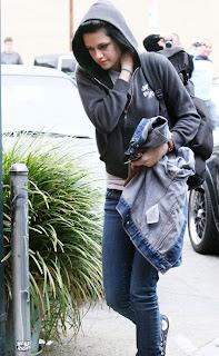 Kristen Stewart in new hair cut Photo