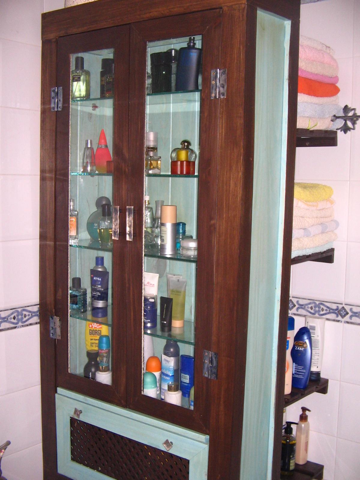 La habitacion de la chacha 00218 vitrina de cuarto de - Rinconeras de madera ...