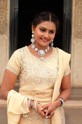 http://2.bp.blogspot.com/_rTCC3UR7gpk/TTBfEAL1XRI/AAAAAAAAG60/lGZ1GQMI_Dc/s1600/tamil_actress_nandagi_stills_gallery_02.jpg