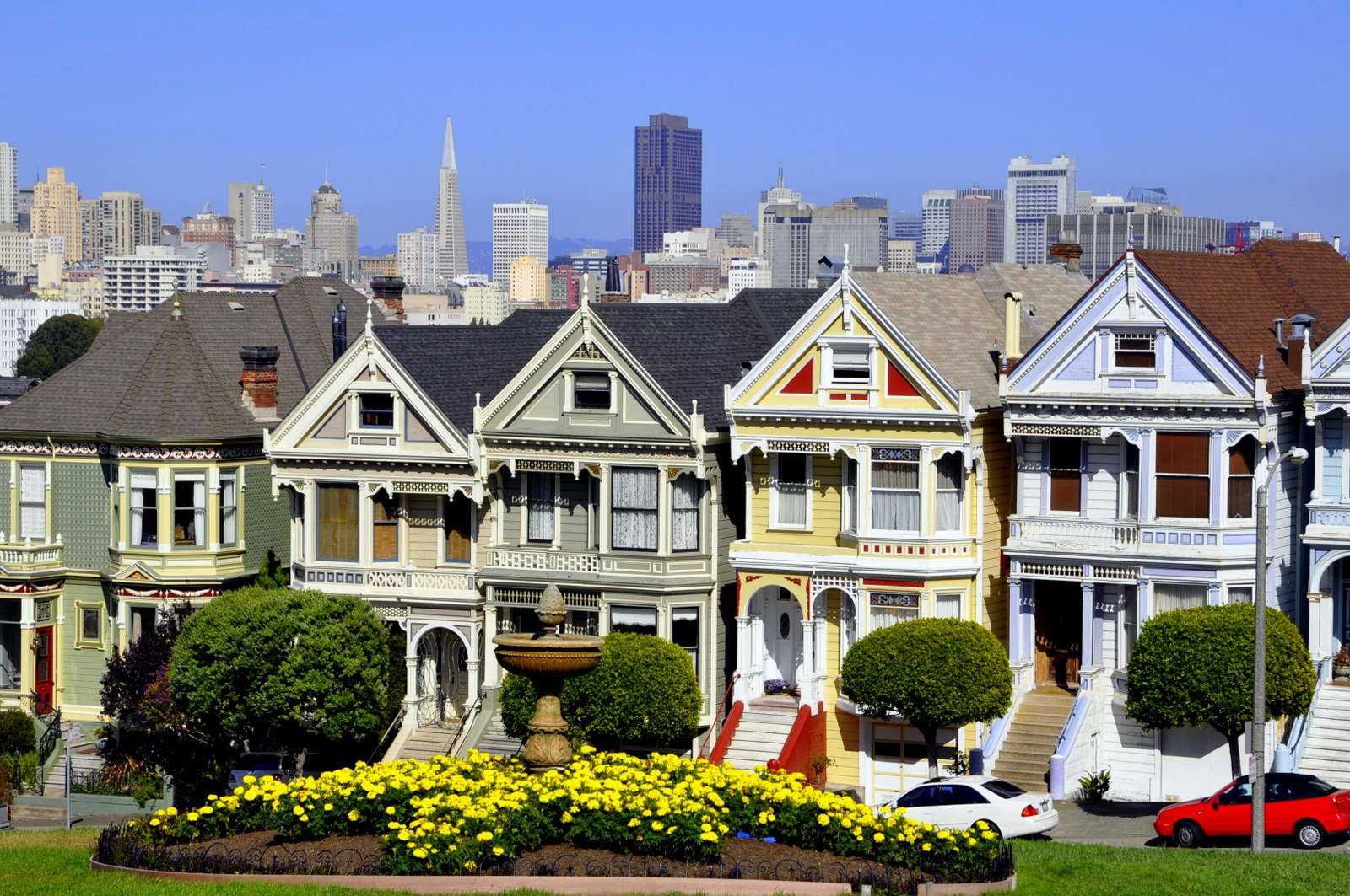 Famous san francisco neighborhoods exploring the world for Houses in san francisco