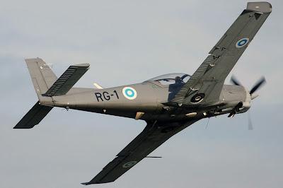 Extraoficial!! Aterrizaje forzoso de una Aeronave de la Naval L90-10