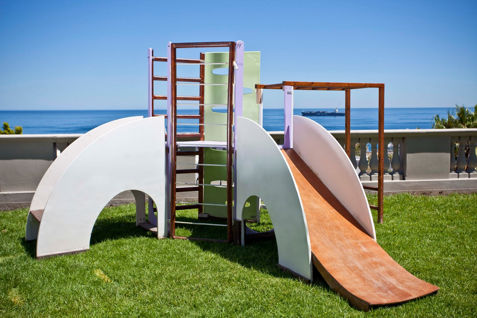 outdoor play gym. Black Bedroom Furniture Sets. Home Design Ideas