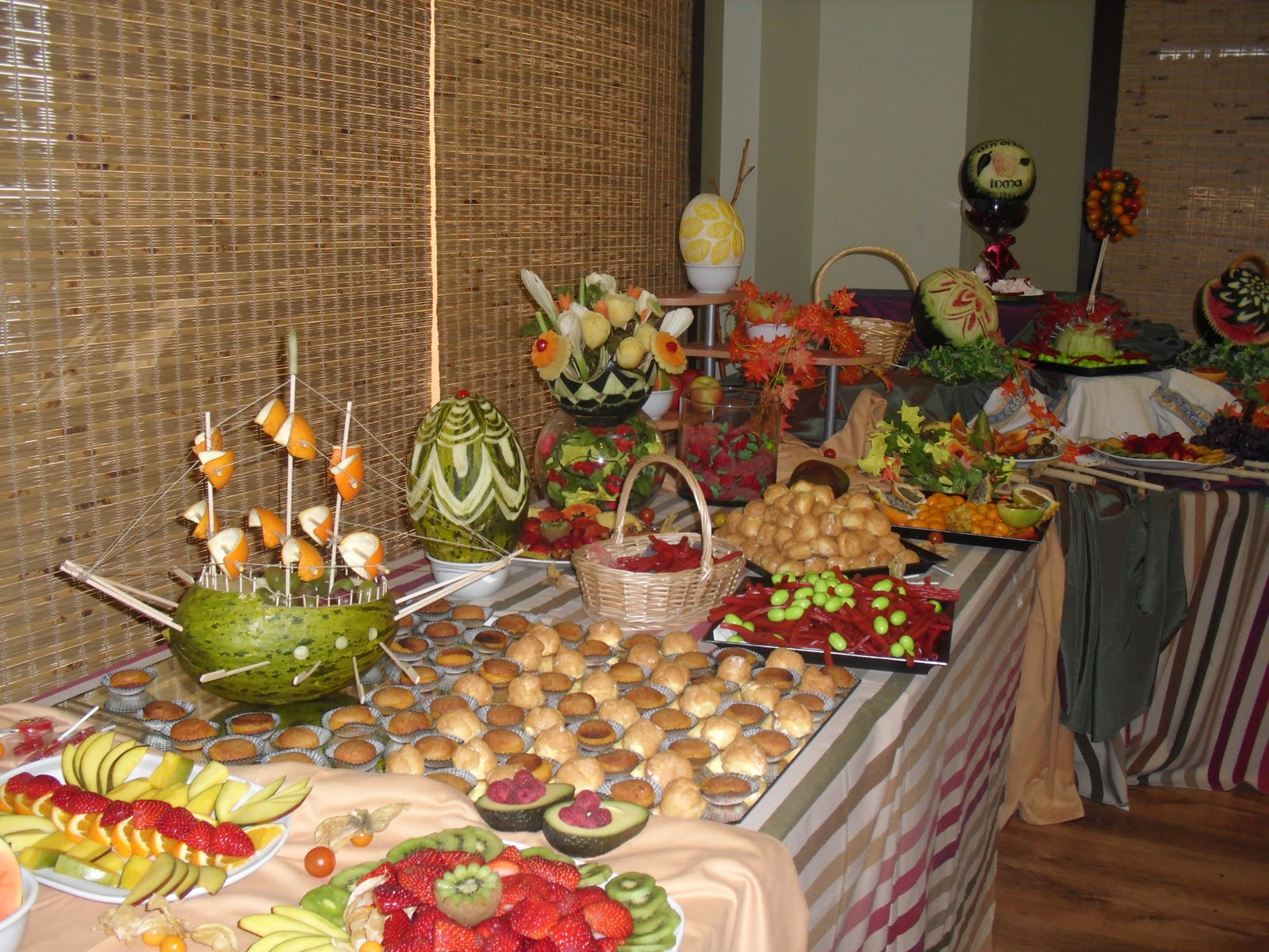 buffet de ana mesas de fruta