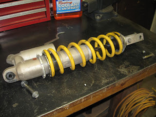 rear+shock+002 how to rebuild a dirt bike rear shock, 2001 honda cr250 Home Electrical Wiring Diagrams at highcare.asia