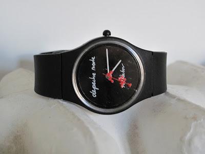 http://2.bp.blogspot.com/_rVQtlKHSkRw/TLI0mKT9XtI/AAAAAAAAKZc/8ncgVhLYqxc/s400/montre+depeche+mode.JPG