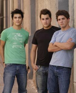 video musical de reik levemente:
