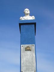 Busto homenaje a Bernardo O`Higgins en acceso norte de la Comuna