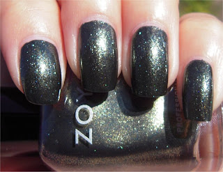 green gray sparkle nail art