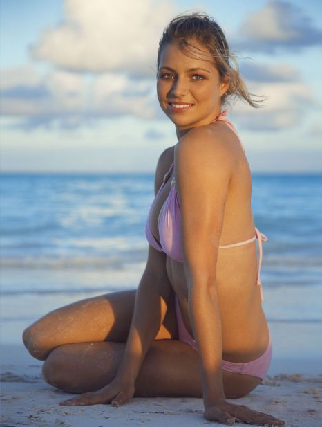 Belinda Bencic e Eugenie Bouchard Maria_kirilenko_bikini