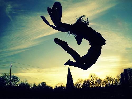 Resultat d'imatges de saltar de alegria