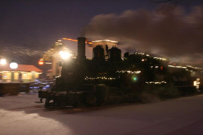 Jon Palmer Family: Huckleberry Railroad Christmas Train