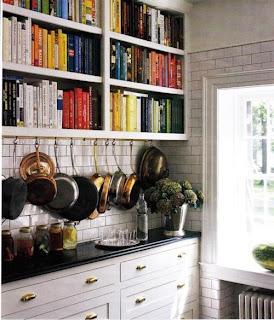 libreria en la cocina