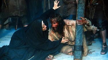 Maria nunca abandonou Jesus...