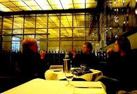 イタリア10 Corso Como カフェ内。