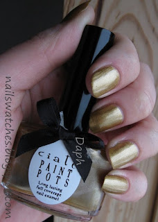 Ciaté Ladylike luxe gold foil shimmer winter collection 2009/2010 nail polish nailswatches