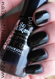 bourjois blue mysterieux dark blue creme looks black on the nail nail polish nailswatches