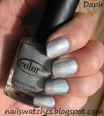 color club worth the risque risk femme fatale silver holographic wild at heart nail polish collection nailswatches